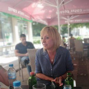 Мая Манолова обикаля пернишки села този уикенд