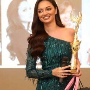 Перничанката Елизабет Методиева стана Дама на годината 2020