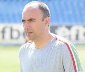 Треньорът на Беласица Саша Симонович нахлузи бутонките, рита за пернишки тим