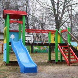 Деца под карантина в Перник заради 4-годишно момче с коронавирус