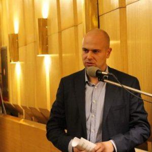 Захариев пита: Спазил ли е кметът на Перник собствената си заповед за премахване на агитационните материали от изборите?