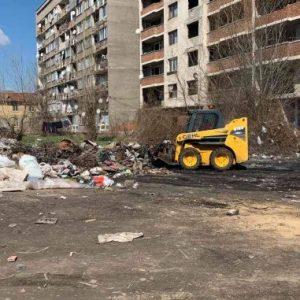 Изринаха десетки тонове боклук на перничани