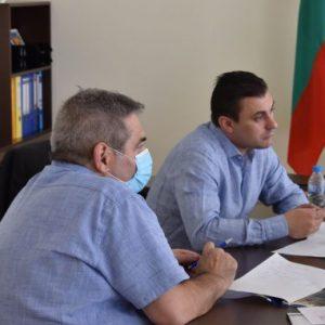 Областният управител на Перник Е. Костадинов и кмета на Радомир П.Алексиев със спешни мерки за водния проблем