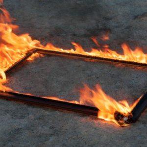 Пожарникари спасиха от изпепеляване художествено ателие в Перник