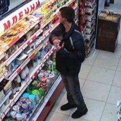Радомирец си напазарува от голям магазин без да плати