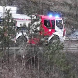 """Тираджия се подпали с фас на магистрала """"Струма"""""""