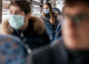 Трима глобени в Перник за неносене на маски в автобус, пишат актове за лоша хигиена и липса на здравни книжки